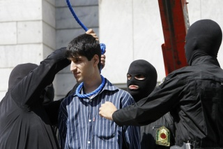 Iranian_hanging